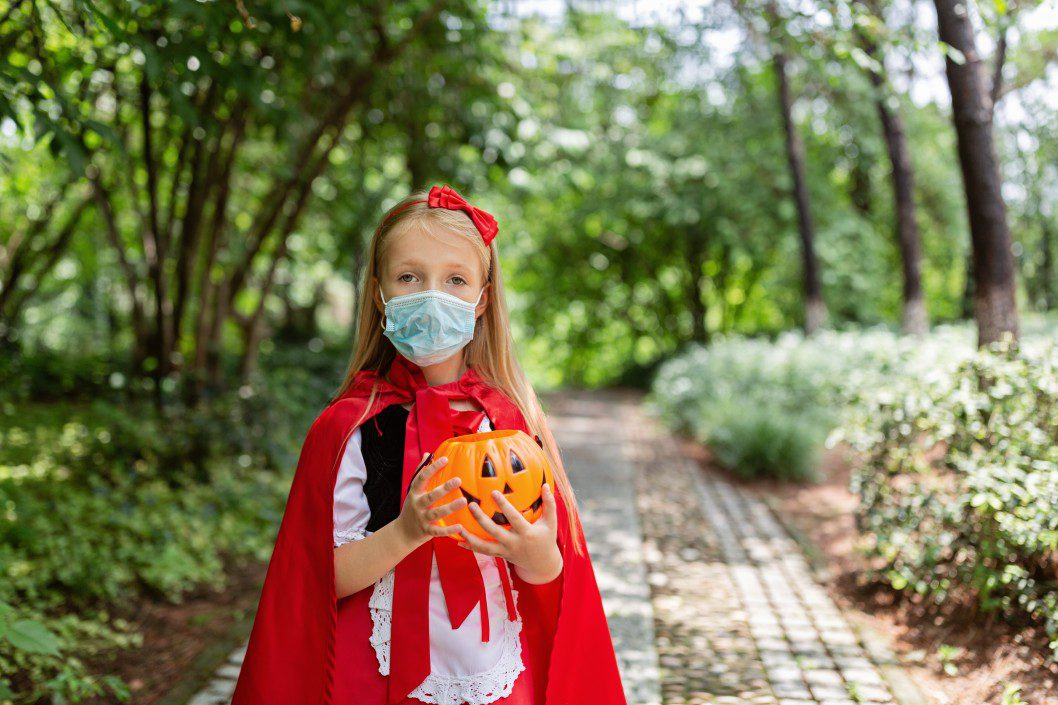 wear a mask during trick-or-treating in ri
