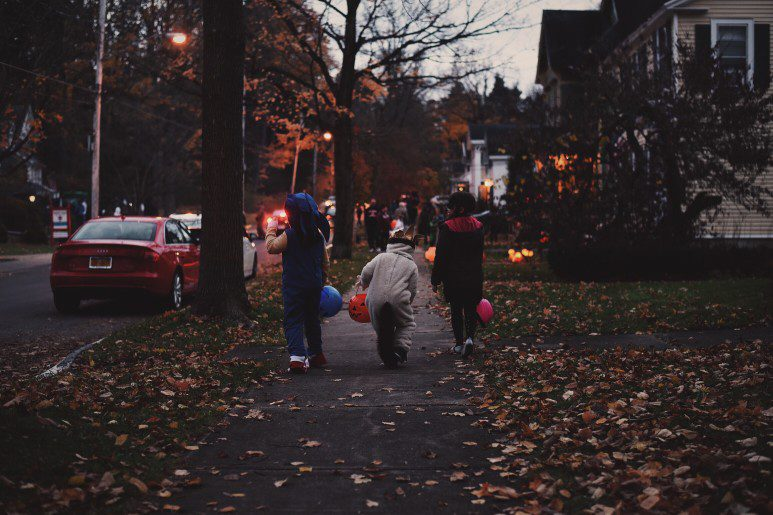 safely trick-or-treat in RI