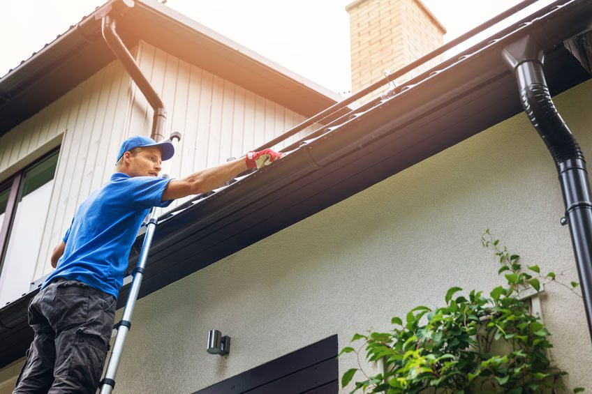 tips to prepare your home for spring roof cleaning in ri